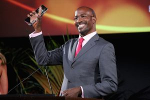 "BURBANK, CA - OCTOBER 24:  Van Jones accepts the ""Greenbiz Global Innovator Award"" onstage during the 25th annual EMA Awards presented by Toyota and Lexus and hosted by the Environmental Media Association at Warner Bros. Studios on October 24, 2015 in Burbank, California.  (Photo by Imeh Akpanudosen/Getty Images for Environmental Media Awards)"